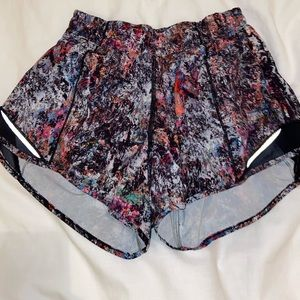 """lululemon speckled shorts size 4 and 4"""" inseam"""